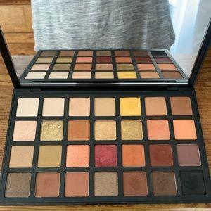 Sephora pro pigment eyeshadow palette. Warm.